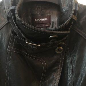 Daniel Leather